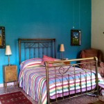 Arcoiris is a bedroom adjacent to the Villa del Sol